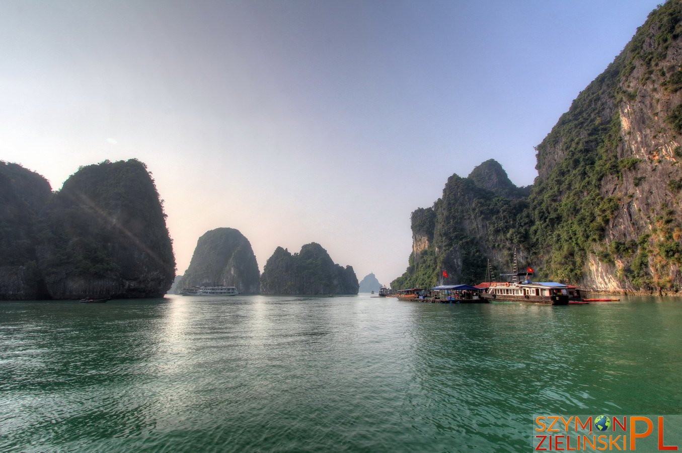 Ha Long Bay, Vietnam - photos and review - Zatoka Ha Long, Wietnam - zdjęcia i opis